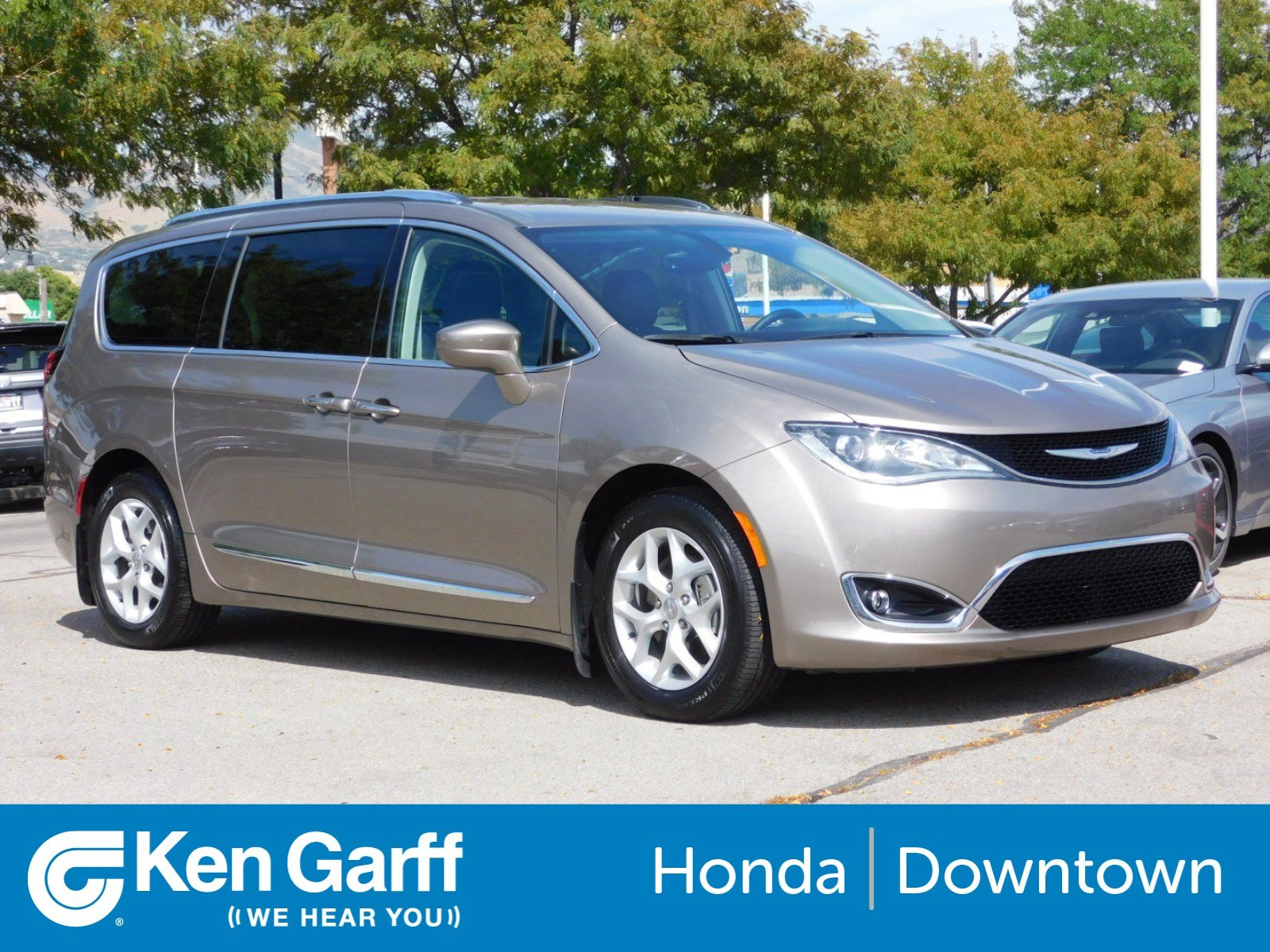 Pre-Owned 2014 Chrysler Pacifica Touring-L Plus