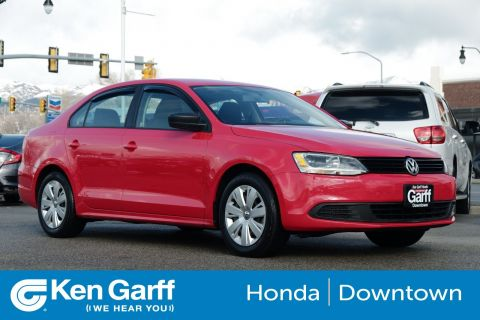 Pre-Owned 2014 Volkswagen Jetta Sedan 4DR MAN S